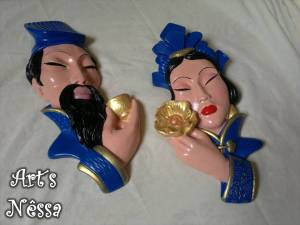 Casal chineses parede azul 2